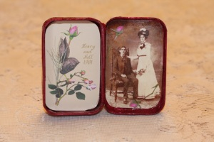 Wedding Tin by Linn